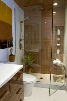 Small Bathroom Remodel Ideas With Inspiring Quietness: Small Full Bathroom Remodel Ideas For Best Bathroom Small Luxury Bathrooms, Small Full Bathroom, Beautiful Small Bathrooms, Bathroom Design Luxury, Bathroom Design Small, Bathroom Layout, Simple Bathroom, Bathroom Interior, Amazing Bathrooms