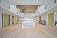 Gensler selected reSAWN's AMITY wide plank euro oak flooring for the lobby renovation at this amenity-filled tech park in Redwood City.