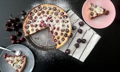 Vláčný francouzský třešňový koláč clafoutis Pancakes, Sugar, Cookies, Breakfast, Food, Crack Crackers, Morning Coffee, Biscuits, Essen