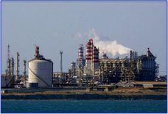 Brindisi – Il Forum Ambiente batte il pugno sui danni alla salute delle industrie inquinanti