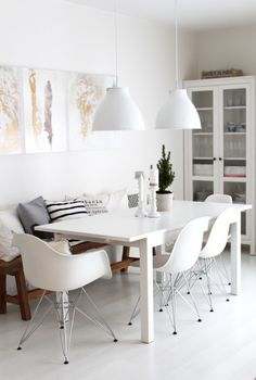 I just love the combination of white with natural materials like the plain wooden bench @ Cecilies Lykke: The magic of 27