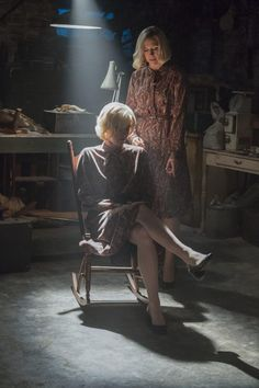 Bates Motel is an American A&E TV series inspired by Alfred Hitchcock's Psycho which will depict the life of Norman Bates and his mother Norma. Freddie Highmore, Bates Motel, Norma Bates, Vera Farmiga, Boy Best Friend, Bates Family, Actress Jessica, Popular Girl, Local Girls