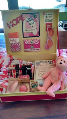 Breast Cancer Survival Kit Box (inside), but you could use this like a template to help any illness or life event in a box! Chemo Care Package, Cancer Care Package, Breast Cancer Crafts, Gifts For Cancer Patients, Breast Cancer Support, Survival Kit, Cancer Awareness, Care Packages, Gift Ideas