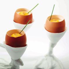 Peter Goossens van Hof van Cleve houdt van een goed ei. Als hapje of voorgerecht, foodies moeten dit uitproberen: http://www.inforluxe.be/nieuws/detail/recept-hof-van-cleve-fake-egg