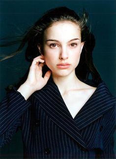The cutest Natalie Portman pictures! Natalie Portman, The Professional Movie, Mathilda Lando, Actrices Hollywood, Millie Bobby Brown, Pretty People, Beautiful People, Girl Crushes, Movie Stars