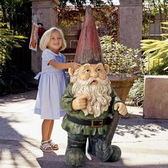 Design Toscano Gottfried, the Gigantic Garden Gnome Statue
