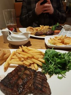 Best Picture For dinner menu For Your Taste You are looking for something, and it is going to tell y Yummy Drinks, Yummy Food, Snap Food, Dinner With Ground Beef, Food Carving, Food Obsession, Romantic Dinners, Dinner Menu, Perfect Food