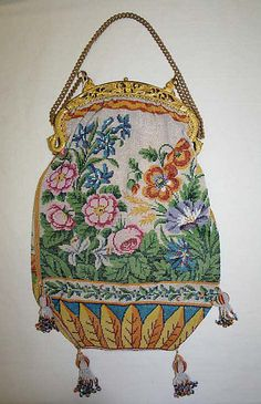 French glass beaded bag 1820-30