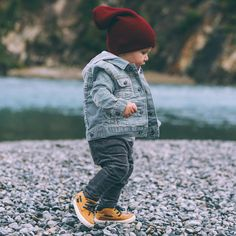 "Kids in beanies...   ""My lil adventure boy ❤️ beanie: @slouchheadwear #bfbtravel"""