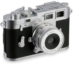 Classic meets digital: Minox equipped the Leica M3 classic camera of Goldfinger with a digital interior.