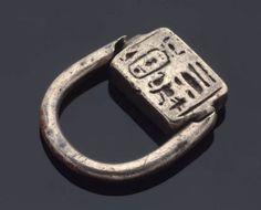 Signet ring with prenomen of Amenhotep II      Egyptian, New Kingdom, Dynasty 18, reign of Amenhotep II, 1426–1400 B.C.