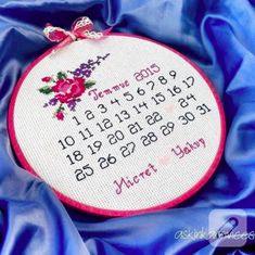 isimli-takvimli-kanavice-etamin-isleme-pano-8 Cross Stitch Alphabet, Wedding Announcements, Embroidery Stitches, Coin Purse, My Sims, Knitting, Cross Stitch, Dots, Marriage Announcement