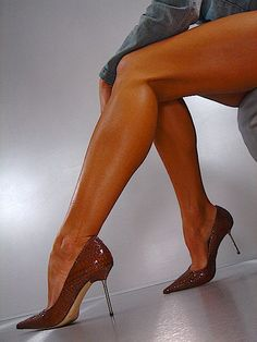 gianmarco lorenzi heels and amazing toned legs