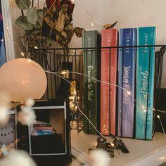 Twitter Header Aesthetic, Book Aesthetic, Book Photography, Book Nerd, Bookstagram, Book Lovers, Book Worms, Books To Read, Wattpad