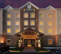 Staybridge Suites Chesapeake-Virginia Beach Chesapeake (Virginia) Just off motorway I-64, near the Chesapeake Conference Center in Virginia, this all-suite hotel offers apartment-style suites with fully equipped kitchens and free wireless internet access.