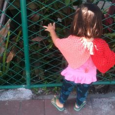 WEBSTA @ the_f_l_o_w - ✨Block Poncho✨ Shop here ➡ https://theflow.base.ecカスタムオーダーなど、お問合せはE-Mail ください。#theflow #poncho #cape #kids #fashion #girlsfashion #bohokids #bohobaby#handmade #crochet #worldwideshipping#子供服 #ガールズ #ポンチョ #羽織り #お出かけ #ハンドメイド #クロシェ