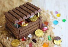 :) Cumpleaños Pirata, ¿Cómo hacer un cofre del tesoro de chocolate?   Más en https://lomejordelaweb.es/