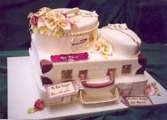 Fun for the travelling couple!  All edible. Great Bridal shower or wedding rehearsal cake.