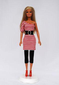 Puppen Barbie T-Shirt Neu Hand Arbeit. Barbiepuppen & Zubehör /Mattel