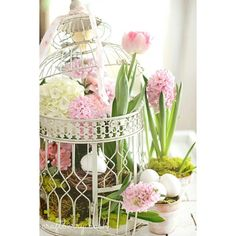 craftberry bush instagram photo - Sweet Spring centerpiece. I hope your week is off to a great start...xo #love#spring #flowers #pretty#easter #tulips https://instagram.com/p/0UFYMmpZx3/ via bHome https://bhome.us
