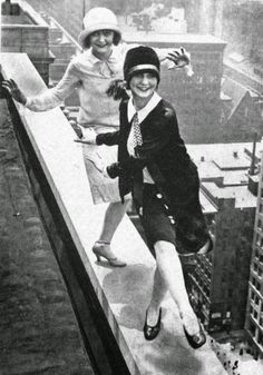 vintage everyday: Flappers dancing the Charleston on the edge, New York City, ca. 1920s