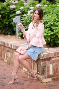 the skinny on blogging how to start a blog blogger series tips for starting a blog blogging better series how to blog blog tips steps to starting a blog pink ruffle jacket denim skirt ruffle denim skirt rose gold aviators