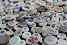 Porzellanohrstecker, noch nicht zusammengeklebt, in Liebe Handgefertigt