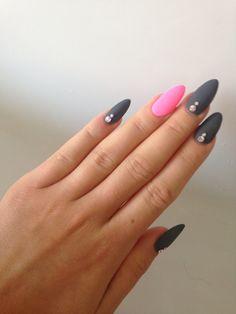 Grey-Matt-Nails