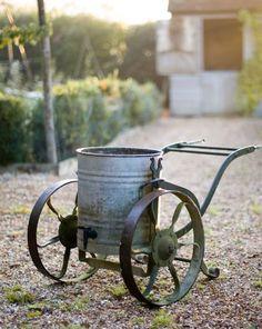 Steal This Look: Walnuts Farm Kitchen Garden - Gardenista Garden Pots, Vegetable Garden, Garden Sheds, Garden Cart, Garden Water, Agriculture, Patio Pergola, Backyard, Parks