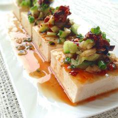 冷奴の可能性は無限大♡毎日食べたいおすすめトッピング20選 - LOCARI(ロカリ)