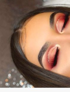 Red eye makeup looks are some of the prettiest makeup ideas! - - Red eye makeup looks are some of the prettiest makeup ideas! Beauty Makeup Hacks Ideas Wedding Makeup Looks for Women Makeup Tips Prom Makeup ideas Cu. Red Eyeshadow Makeup, Glam Makeup, Skin Makeup, Makeup Inspo, Makeup Inspiration, Makeup Brushes, Drugstore Makeup, Eyeshadow Palette, Red Glitter Eyeshadow