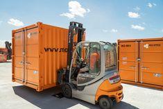 Mit dem einzigartigen HOME- und BRINGSERVICE von MO.SPACE ersparst du dir viel Zeit und Arbeit, denn das mehrfache Ein- und Ausladen deiner Sachen gehört der Vergangenheit an: 👉🏻 Benötigte Größe des Containers auswählen 👉🏻 Lieferung des ausgewählten Containers nach Hause oder zu deiner Firma 👉🏻 Be- und Entladung des Containers durch dich oder durch unsere Spezialisten 👉🏻 Wir bringen den beladenen Container zur Lagerung auf unseren Selfstorage-Terminal in Bruck a. d. Leitha Terminal, Design, Past, Unique, House