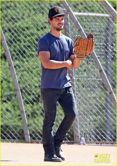 Taylor Lautner Arms