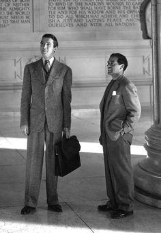 """James Stewart y Frank Capra durante el rodaje de""""Caballero sin espada"""" (Mr. Smith Goes to Washington), 1939"""