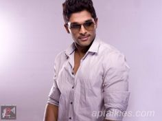 Allu Arjun often shares his family photos on social media and his personal photos with wife Sneha are too cute. Check out best of Allu Arjun images and photos right here Allu Arjun Hairstyle, Dj Movie, Allu Arjun Wallpapers, Family Photos, My Photos, Allu Arjun Images, Shruti Hassan, Actors Images, Actor Photo