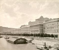 wooden public bath on the Danube (Budapest) Central Europe, Bucharest, Beautiful Buildings, Hungary, Cool Pictures, The Past, Louvre, Public, Black And White