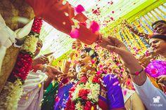 Shruti + Tejas #bride #southindianwedding #daywedding #candidphotography #artisticphotography #colors #fridaypic www.fridaypic.com