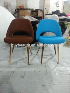 Knoll Saarinen Executive Armless desk Chair - In charcoal gray