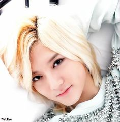 NU'EST - Ren This isn't fair...Ren...you're a guy...stop being so pretty dammit.