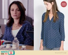 April's navy polka dot blouse on Chasing Life.  Outfit Details: http://wornontv.net/35307/ #ChasingLife