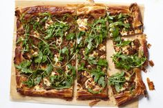 s tart needs a large amount of caramelized onions, which means that you need to start with an even larger amount of raw onions since they cook down so much. Caramelizing that many onions tak