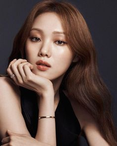 is patiently waiting for her new favorite Icon to be launched. Hazel Eye Makeup, Makeup For Green Eyes, Blue Eye Makeup, Hazel Eyes, Smokey Eye Makeup, Lee Sung Kyung Makeup, Lee Sung Kyung Fashion, Asian Actors, Korean Actresses