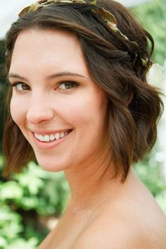 Short Hair updo for wedding without flowers in hair