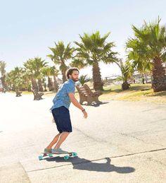 Zobacz sposoby na udane lato na: http://radoscodkrywania.tchibo.pl/8-sposobow-na-udane-lato #tchibo #tchibopolska #wakacje #lato #palmy #promenada #longboard