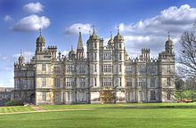 Burghley House is a grand country house near to Stamford, Lincolnshire, England. Its park was laid out by Capability Brown. Burghley was built for Sir William Cecil, later Baron Burghley, who was Lord High Treasurer to Queen Elizabeth I. Lincolnshire England, Stamford Lincolnshire, Stamford England, English Manor Houses, English Castles, Loire Valley, Grand Homes, Palaces, Kirchen