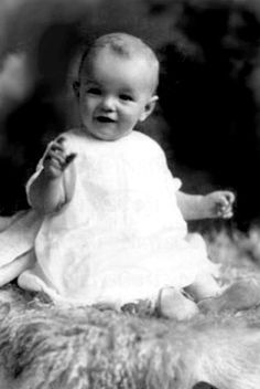 Celebs before they were famous. Marilyn Monroe was beautiful even as a baby.