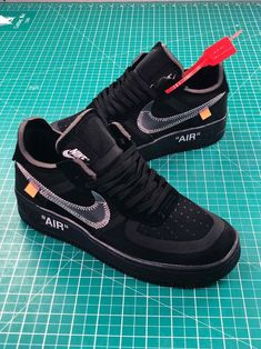 While Virgil Abloh released a limited edition Off-White x Nike Air Force 1 Low in collaboration with Museum of Modern Art, we'll now have an opportunity to purchase a similar pair come this Holiday White Sneakers Nike, Black Nike Shoes, Cute Sneakers, White Shoes, Shoes Sneakers, Jordan 1, Nike Shoes Air Force, Baskets, Jordan Shoes Girls