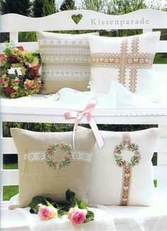 almohadas bordadas