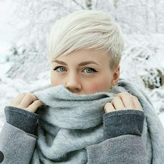 Latest Pixie and Bob Short Haircuts For Women 2019 - Short haircut has its elegant ways to style. The Pixie variant is one of the most elegant ways to style short hair. The cut is uncomplicated, dries qu. - We Have A Good Colle Short Hair Cuts For Women, Short Hairstyles For Women, Bob Hairstyles, Short Hair Styles, Hairstyles Pictures, Bob Haircuts, Pelo Color Gris, Cute Short Haircuts, Corte Y Color