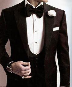 the perfect 3 piece black tie...